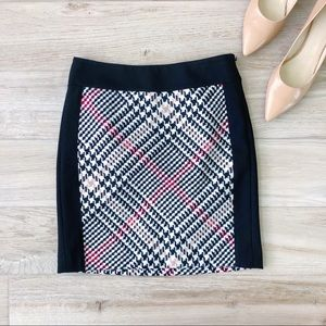 White House Black Market Houndstooth Fall Skirt